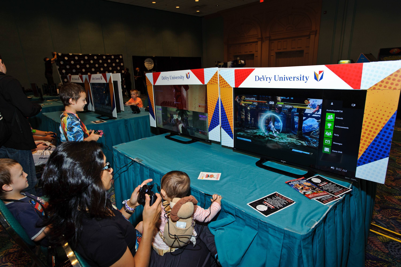 DeVry University Gaming Lounge Wizard World Chicago - Devry university game design