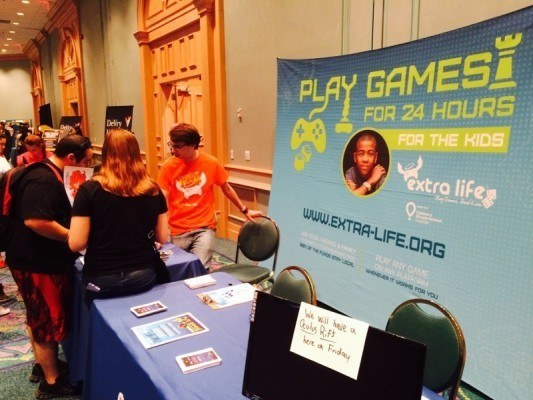 Extra Life at Wizard World 2015