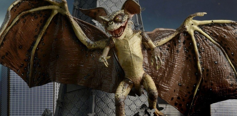 Gremlins-2-Bat-Gremlin-Deluxe-Boxed-Figure-feature
